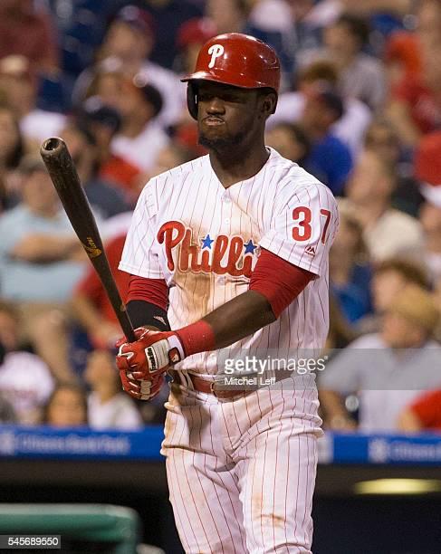 Odubel Herrera of the Philadelphia Phillies bats against the Atlanta Braves at Citizens Bank Park on July 5 2016 in Philadelphia Pennsylvania