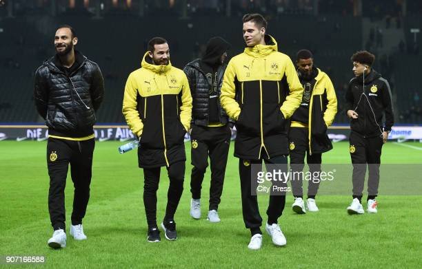 Oemer Toprak Gonzalo Castro and Julian Weigl of Borussia Dortmund prior to the Bundesliga match between Hertha BSC and Borussia Dortmund at the...