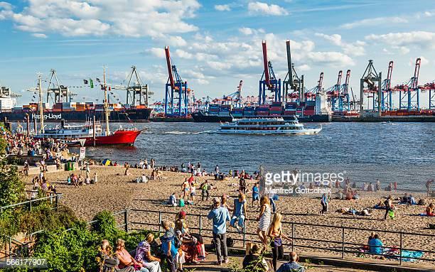 Oevelgönne Elbe Beach Hamburg