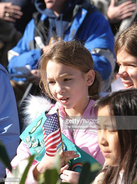 Of 6 fx/memorial, 11/13/04,Larry Morris TWP, #161822 : Samantha Palermo with the Girl Scout troop 2730 reciting the Pledge of Allegiance at the...