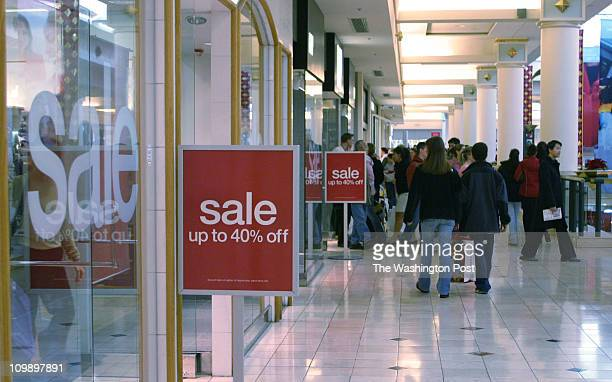of 7 mx/shops23 12/18/04Larry Morris TWP #163064 Shoppers at Westfield Shoppingtown Montgomery