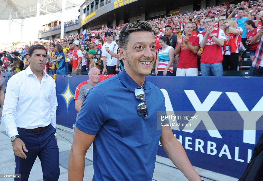 Arsenal v CD Guadalajara : News Photo