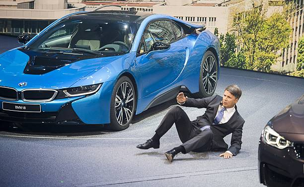 Ceo Of Bmw Harald Krueger Falls To The Ground After Fainting During A Presentation At