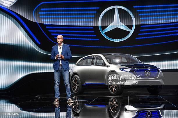 CEO of Daimler and Head of Mercedes Benz Dieter Zetsche delivers a speech during the press preview of the Paris Motor Show at Paris Expo Porte de...