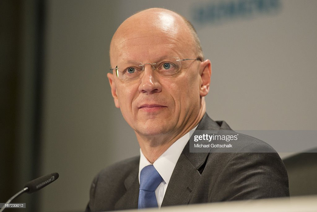 CFO of German engineering giant Siemens AG, Ralf Thomas attends Siemens annual press conference on November 7, 2013 in Berlin, Germany. German engineering giant Siemens said Thursday it expects to book a further increase in bottom-line earnings in 2014 after achieving its targets this year.