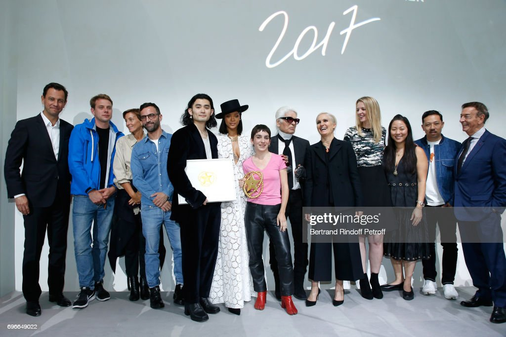 """""""Young Fashion Designer"""" : LVMH Prize 2017 Edition At Louis Vuitton Foundation In Paris : News Photo"""