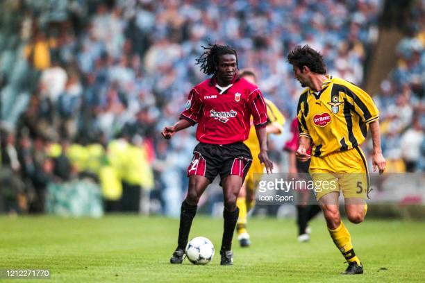 LAUREN of Mallorca and Giuseppe FAVALLI of Lazio during the UEFA Cup Winners Cup Final match between Mallorca and Lazio at Villa Park Birmingham...