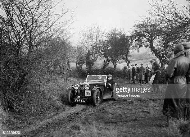 MG J2 of Mrs MM Riley at the Sunbac Colmore Trial near Winchcombe Gloucestershire 1934 MG J2 847 cc Vehicle Reg No KV5437 No 105 Driver Riley Mrs MM...