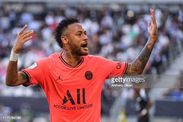 Of PSG celebrates a goal during the Ligue 1 match between Bordeaux and Paris Saint Germain on September 28, 2019 in Bordeaux, France.