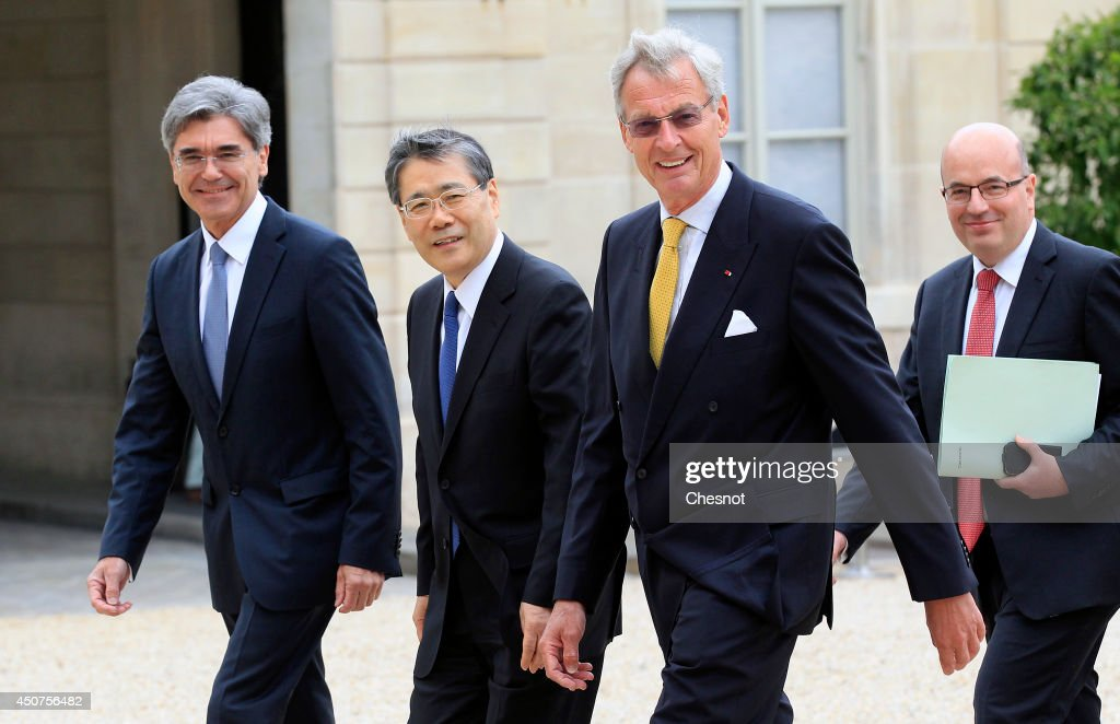 French President Francois Hollande Receives Joe KAISER, Siemens CEO And  Shunichi MIYANAGA,  Mitsubishi CEO At Elysee Palace