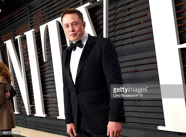 CEO of Tesla and Space X Elon Musk attends the 2015 Vanity Fair Oscar Party hosted by Graydon Carter at the Wallis Annenberg Center for the...
