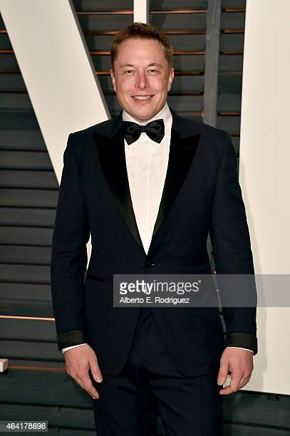 CEO of Tesla Motors and SpaceX Elon Musk attends the 2015 Vanity Fair Oscar Party hosted by Graydon Carter at Wallis Annenberg Center for the...