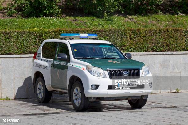 suv of the guardia civil - gwengoat stock pictures, royalty-free photos & images