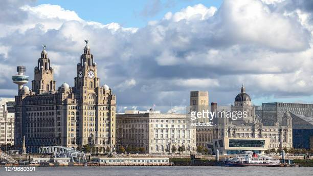 hdr of the liverpool skyline - passenger craft stock pictures, royalty-free photos & images