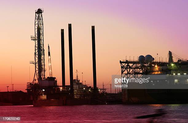 off shore drilling rig  dry docks for repair galveston texas - gulf coast states stock pictures, royalty-free photos & images