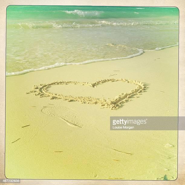 off to the beach - transfer print foto e immagini stock