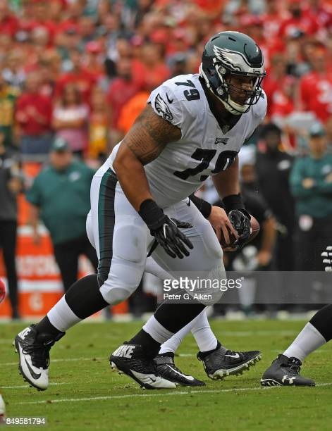 Offensive guard Brandon Brooks of the Philadelphia Eagles gets set on the line against the Kansas City Chiefs during the first half on September 17...