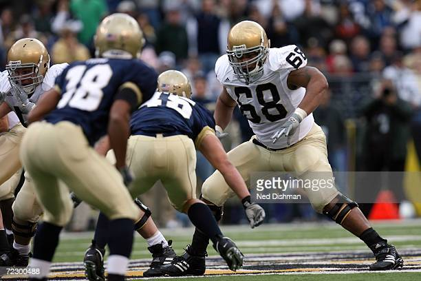 Offensive lineman Ryan Harris of the Notre Dame Fighting Irish looks to block against the Navy Midshipmen on October 28 2006 at MT Bank Stadium in...