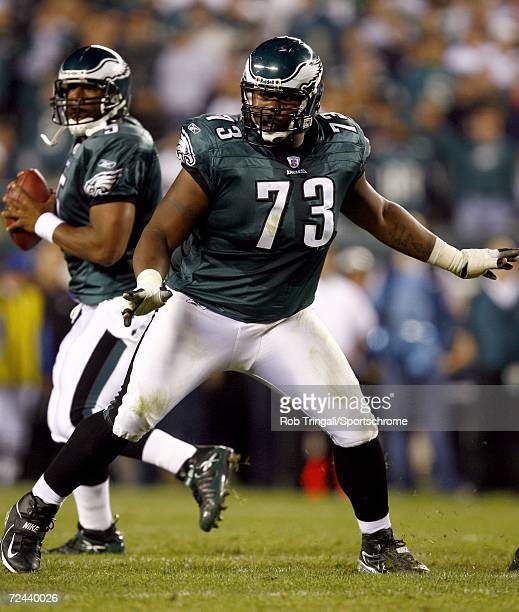 Offensive lineman Shawn Andrews of the Philadelphia Eagles in action against the Green Bay Packers on October 2, 2006 at Lincoln Financial Field in...