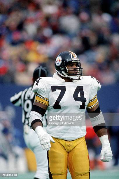 Offensive lineman Terry Long of the Pittsburgh Steelers in action against the New York Giants at Giants Stadium on December 21, 1985 in East...