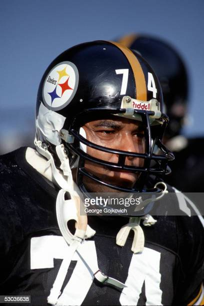 Offensive lineman Terry Long of the Pittsburgh Steelers on the sideline during a game at Three Rivers Stadium circa 1990 in Pittsburgh, Pennsylvania.