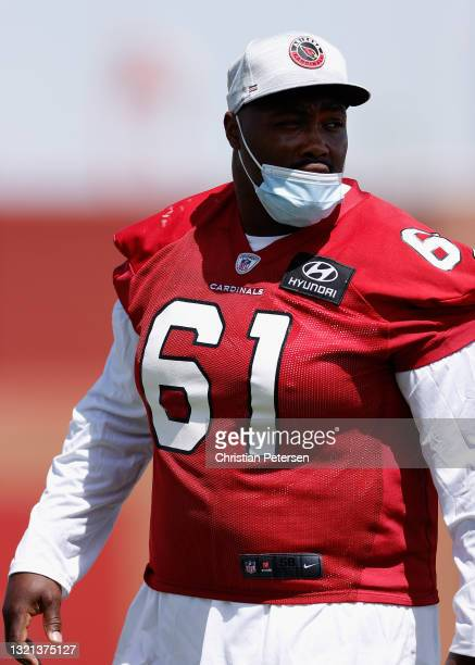 Offensive-line Rodney Hudson of the Arizona Cardinals participates in an off-season workout at Dignity Health Arizona Cardinals Training Center on...