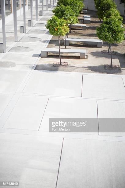 Bürogebäude courtyard