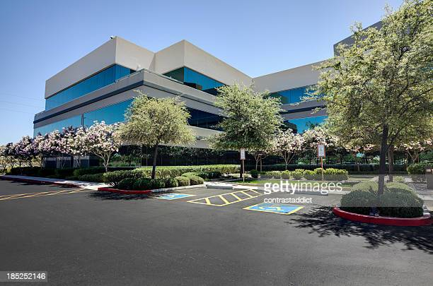 office building - landscaped stock pictures, royalty-free photos & images