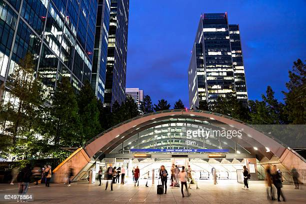 office buildings at dusk, canary wharf, london's financial district, england - canary wharf stock photos and pictures