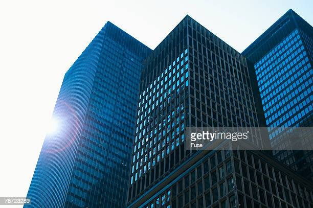 office buildings in midtown - ニューヨーク郡 ストックフォトと画像