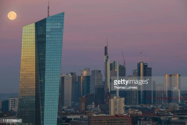 Office buildings, including the corporate headquarters of the European Central Bank , Commerzbank and Deutsche Bank stand in the financial district...