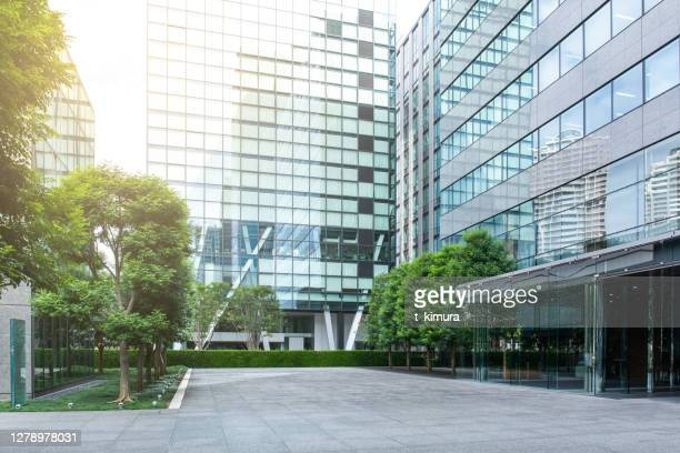 office buildings - office block exterior stock pictures, royalty-free photos & images