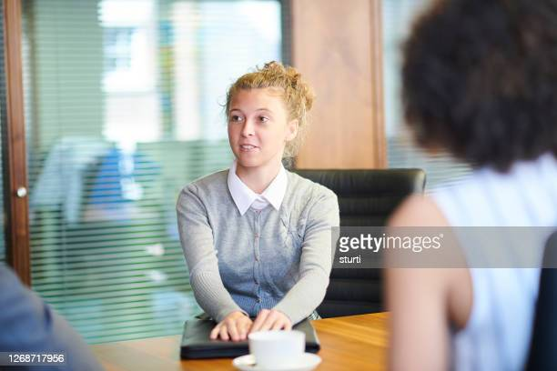 office job applicant - 18 19 years stock pictures, royalty-free photos & images