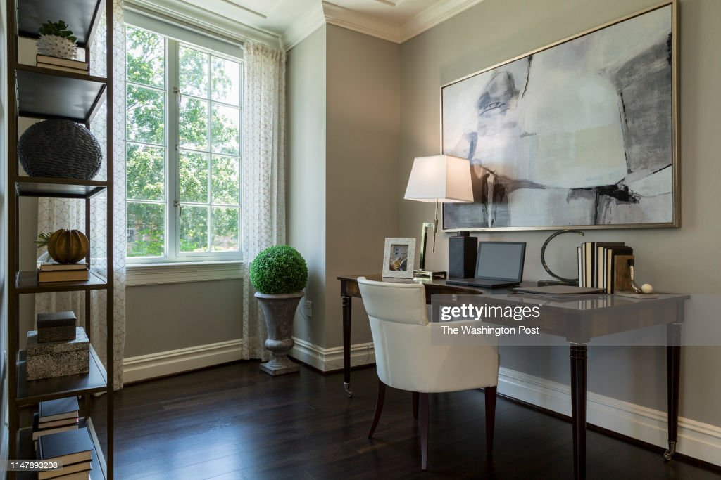 The Signet in McLean Virginia : News Photo