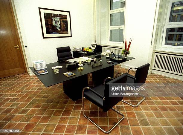 Office of Joseph FISCHER federal minister for foreign affairs in the federal foreign office