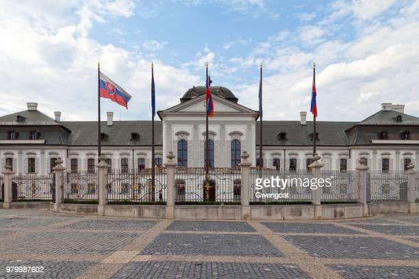 bureau van de president van de slowaakse republiek - gwengoat stockfoto's en -beelden