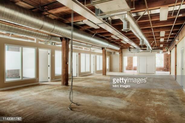 office under construction - 不在 ストックフォトと画像