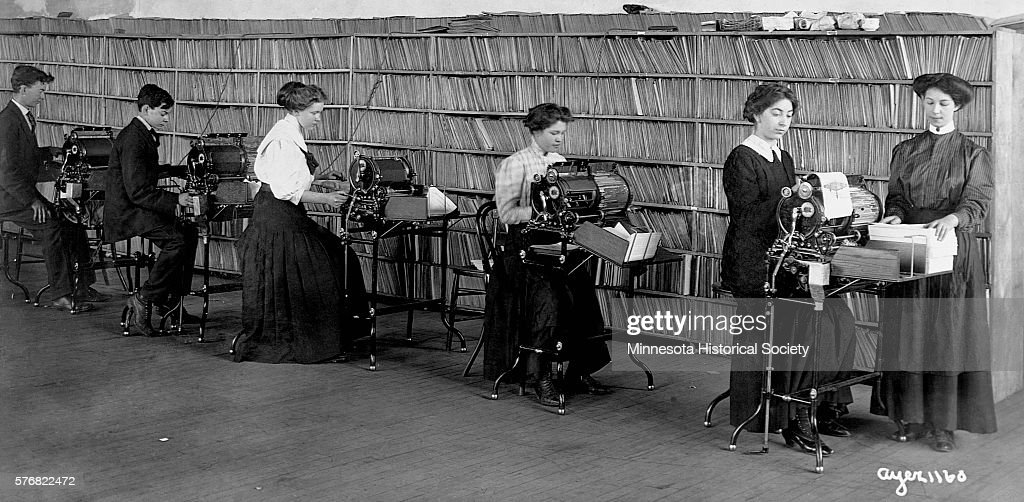 Office Workers in Early 1900s News Photo - Getty Images