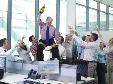 officemates giving toast of champagne to the boss - gettyimageskorea