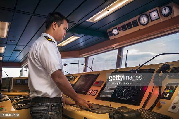 officer ship looking radar screen - lieutenant stock pictures, royalty-free photos & images