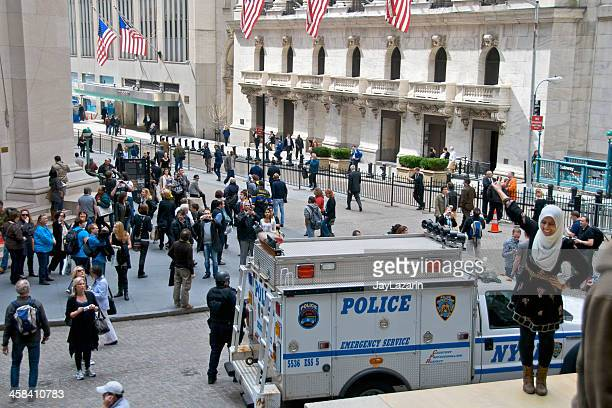 nypd esu officer, vehicle, federal hall, wall street, nyc - swat team stock photos and pictures