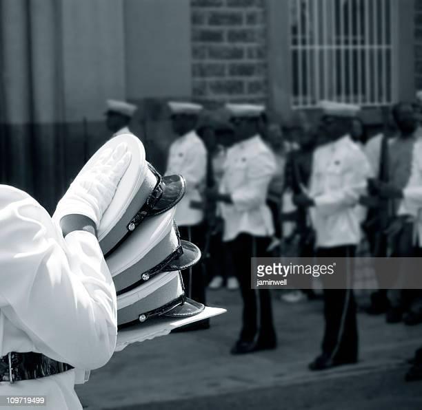 police militaire officiel de cérémonie funéraire - cérémonie photos et images de collection