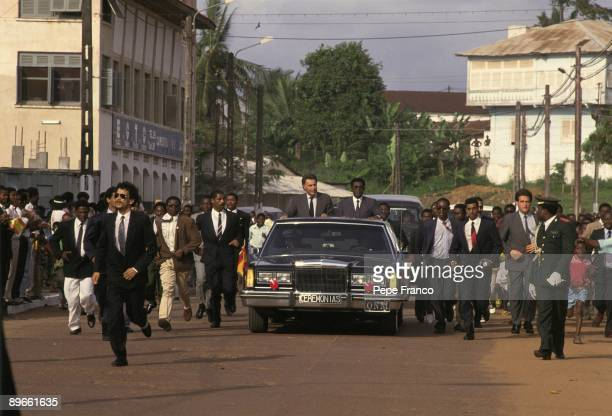 Official visit of Felipe Gonzalez to Guinea Presidents Felipe Gonzalez and Teodoro Obiang on a car through the streets of Malabo