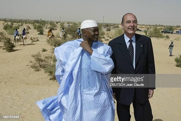 Official Visit Of Jacques Chirac In Mali Tombouctou Mali 24 octobre 2003 Visite de quatre jours du président Chirac au Niger et au Mali pour soutenir...