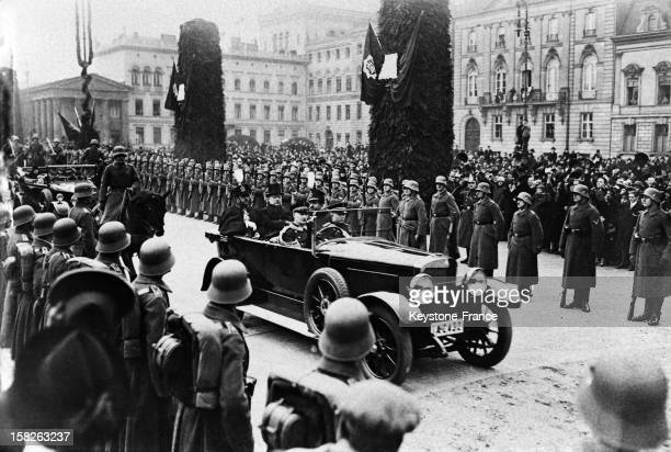 Official visit of King Amanullah of Afghanistan here in the presidential car Unter Den Linden with Field Marshal Hindenburg and his brother on the...