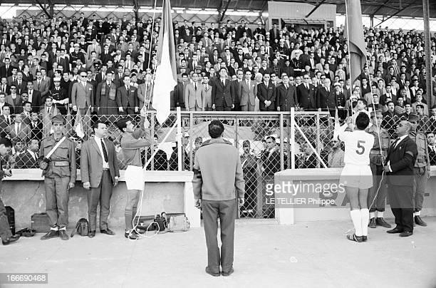 Official Visit Of The King Hassan Ii Of Morocco To Algeria Le 15 mars 1963 les deux capitaines des équipes nationales de football d'Algérie et du...