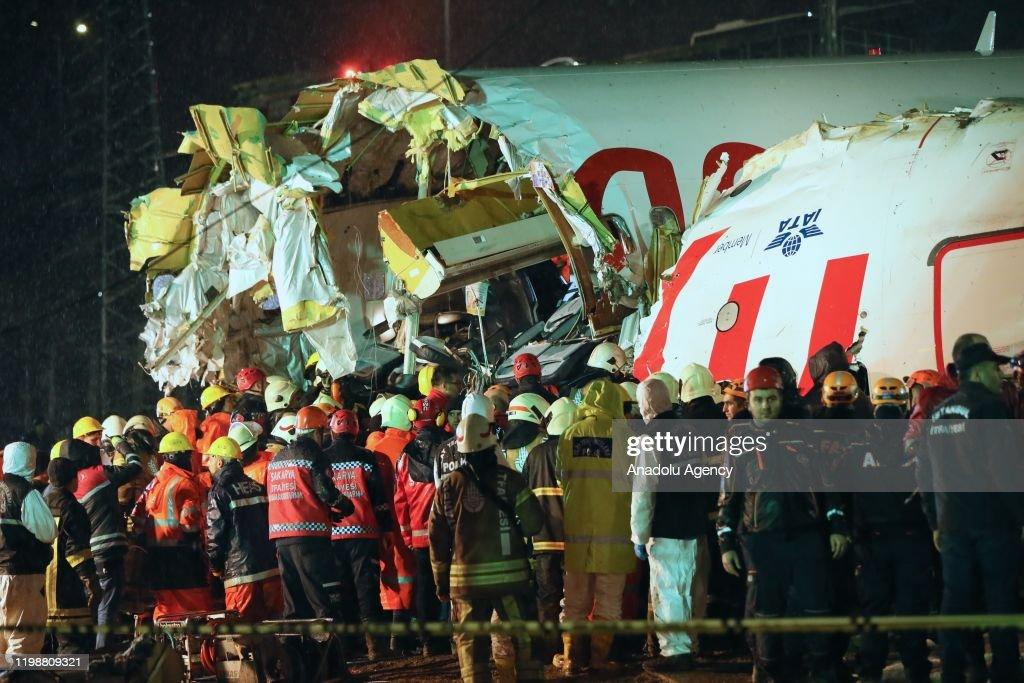 Turkey: Plane skids off runway in airport in Istanbul : Nyhetsfoto