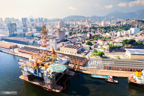 offshore drilling rig at rio de janeiro port - marine engineering stock photos and pictures