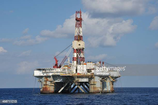 offshore oil rig ocean america - construction platform stock photos and pictures