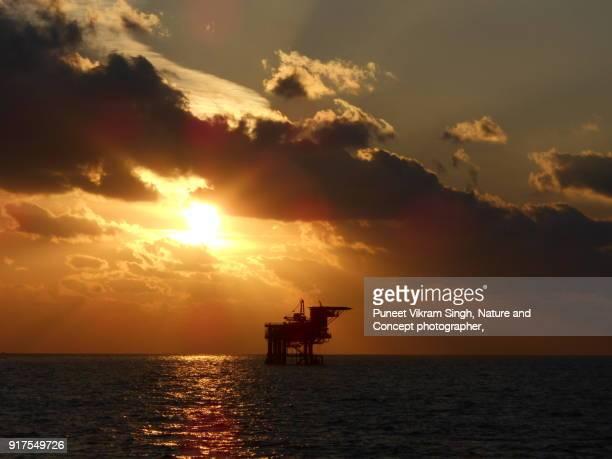 offshore platform - construction platform stock pictures, royalty-free photos & images